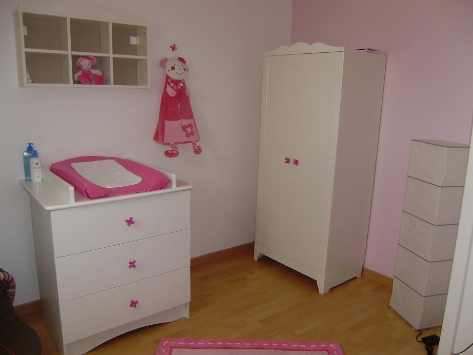 Chambre bebe lea for Chambre bebe fille rose pale